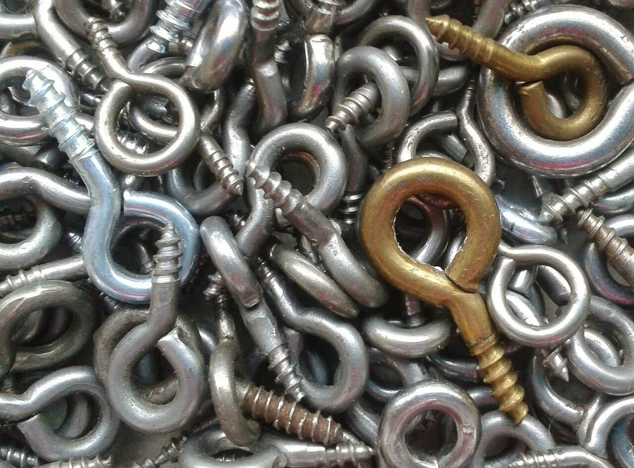 A lot of eye bolts hanging