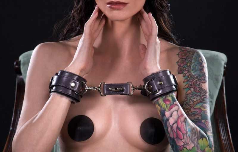 Amazing wrist cuff