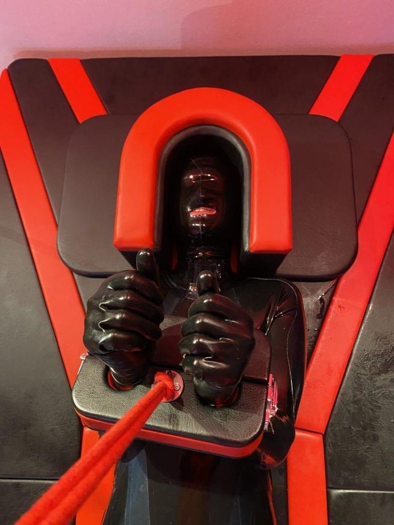 BadCat Queening Chair